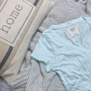 Abercrombie & Fitch V-Neck Tee Shirt Top S
